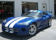blue-car-with-white-stripes2